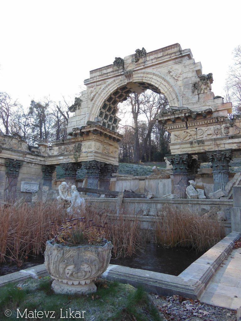 Botanični potepi - Rimska ruševina (Schönbrunn)